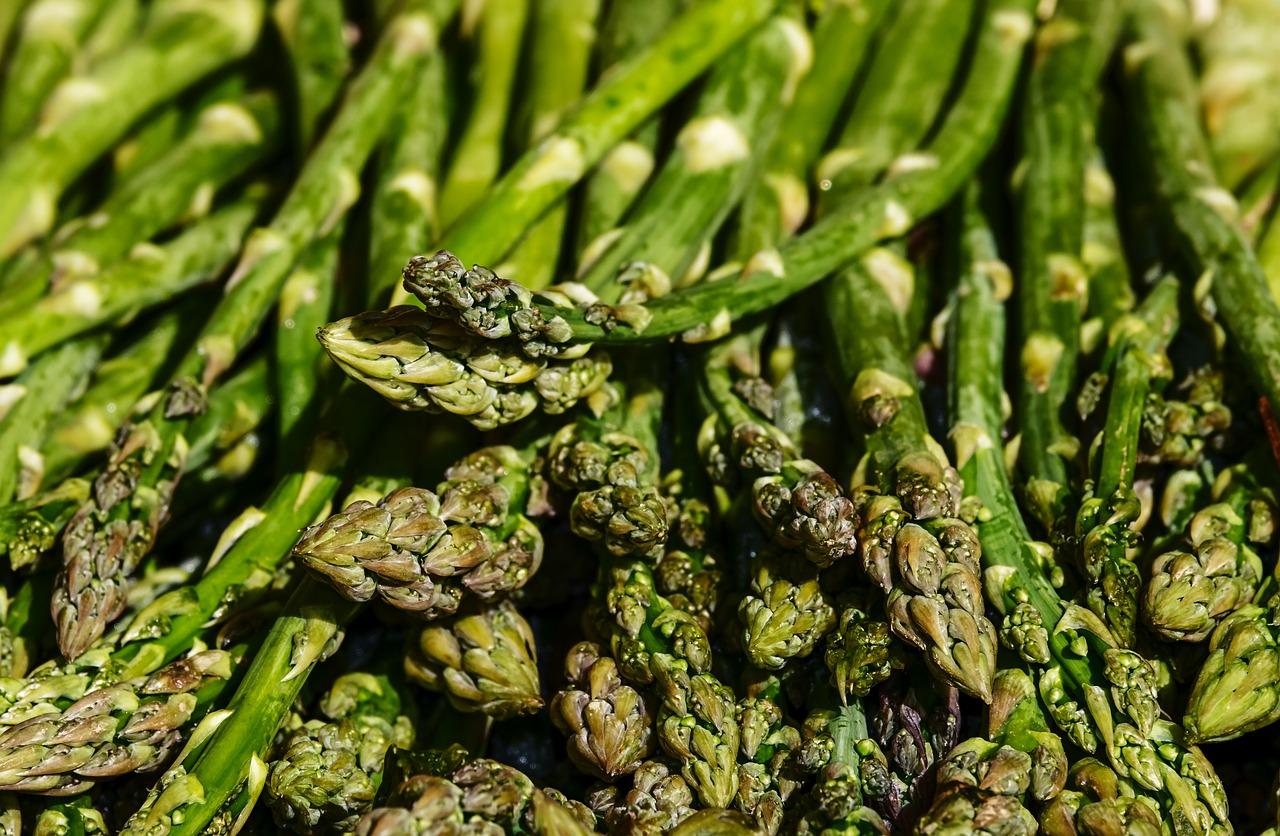 Sezon na szparagi – dlaczego warto je jeść?